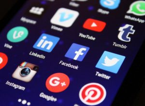 social media - positive workplace relationships